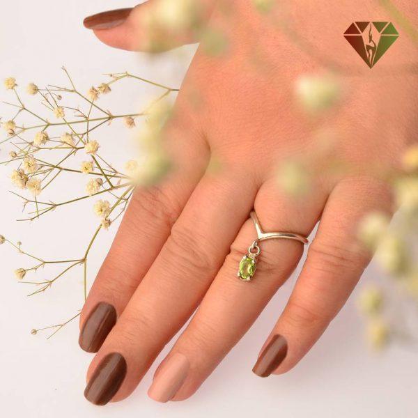 انگشتر زنانه زبرجد طرح گل انار
