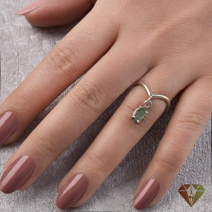 انگشتر زنانه زمرد طرح گلنار