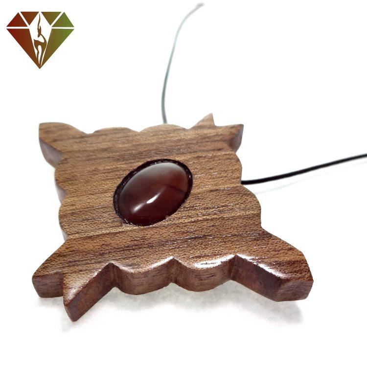 رومانتویی چوبینه گوهر عقیق قهوه ای طرح لوزی